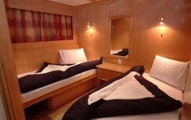Blue Seas_twin cabin